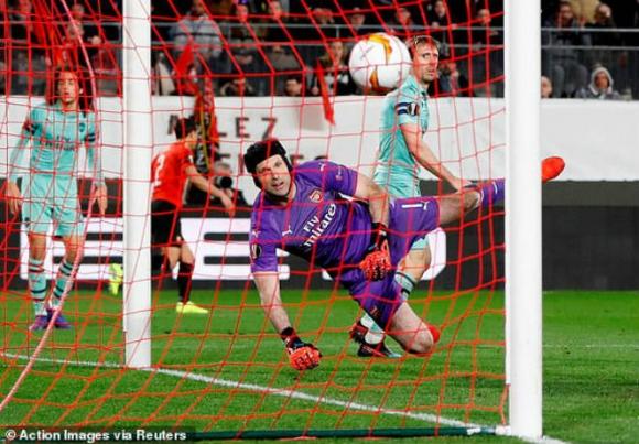 Rennes - Arsenal: Thẻ đỏ, phản lưới và màn