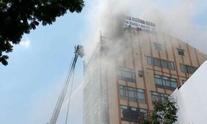 Lộ nguyên nhân cháy toà nhà cao ốc giữa trung tâm Sài Gòn