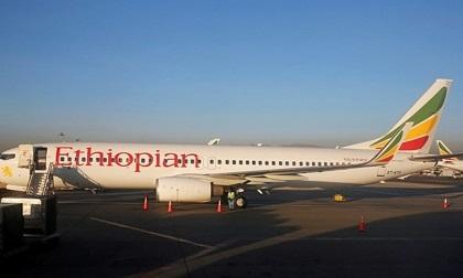 NÓNG: Rơi máy bay Boeing 737 chở 157 người