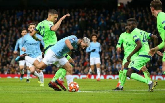 Man City - Schalke 04: Cơn ác mộng kinh hoàng ở Etihad - 1