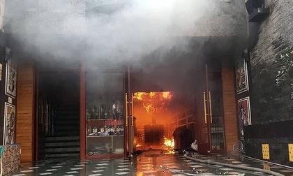 Hiện trường vụ cháy khách sạn kinh hoàng ở Hải Phòng