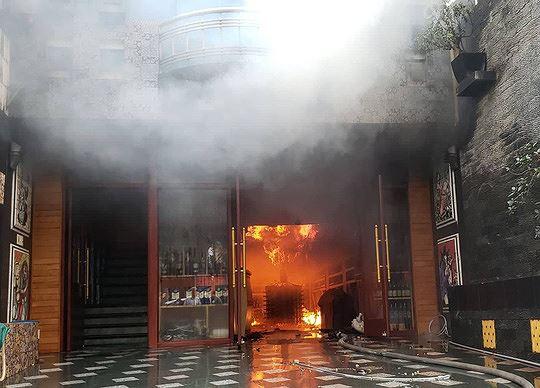 Hiện trường vụ cháy khách sạn kinh hoàng ở Hải Phòng - 1
