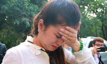 Bà Lê Hoàng Diệp Thảo bật khóc: 'Công lý nào cho các con tôi?'