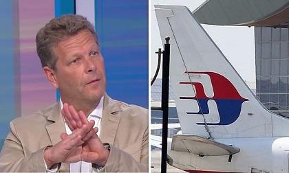 """Máy bay MH370 """"bị bắn rơi""""?"""