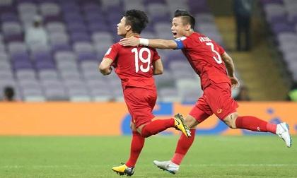 Bóng đá Việt Nam: Thầy Park phất cờ, ai thổi gió bay cao?