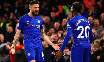 Eden Hazard trở lại và ghi bàn, Chelsea 'phả hơi nóng' vào Arsenal