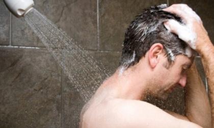 Diễn viên hài Anh Vũ đột tử do tắm khuya: Những người tuyệt đối không nên tắm khuya?