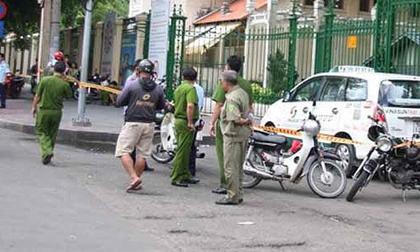 Chở 4 khách về Thanh Hóa, lái xe bị quỵt tiền, ném vỡ kính, phải nhờ CA bảo vệ an toàn