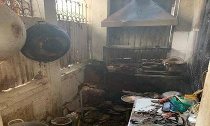 Cháy quán cà phê giữa trưa, 2 người bị bỏng nặng