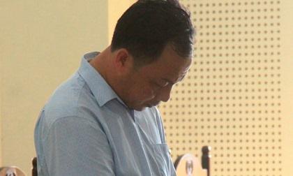 Dâm ô thiếu nữ 15 tuổi, gã hàng xóm quỳ trước mặt bố mẹ nạn nhân xin lỗi