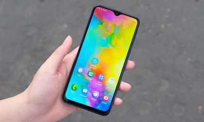 Top smartphone màn hình lớn, trang bị 'chất' nhất trong tầm giá 5 triệu đồng