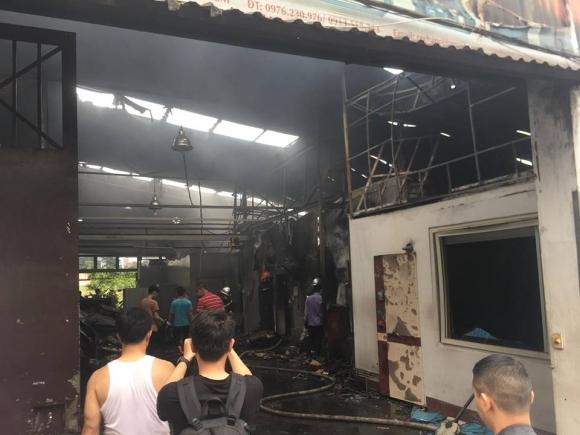 Hiện trường vụ cháy kinh hoàng 8 người chết và mất tích - 2