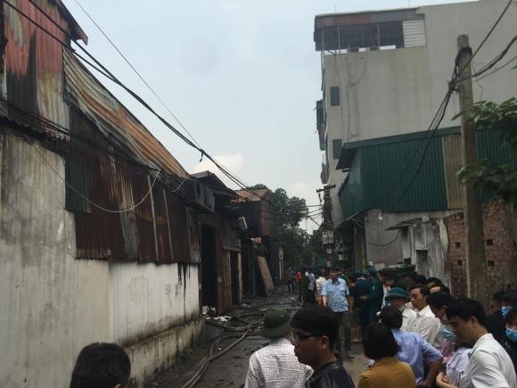 Hiện trường vụ cháy kinh hoàng 8 người chết và mất tích - 1