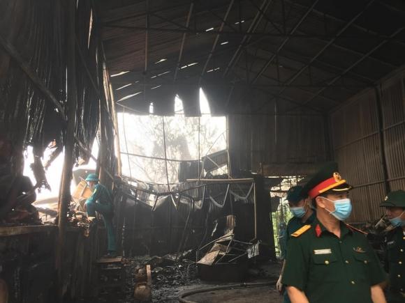 Hiện trường vụ cháy kinh hoàng 8 người chết và mất tích - 4