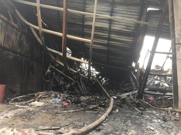 Hiện trường vụ cháy kinh hoàng 8 người chết và mất tích - 8