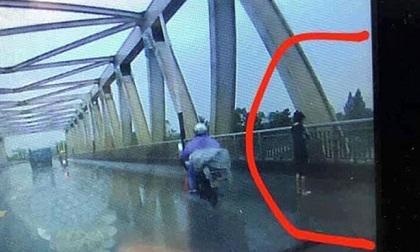Nữ sinh nhảy cầu tự tử do bị hiếp dâm
