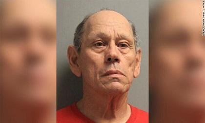 Mỹ: Cụ ông 71 tuổi bị bắt liên quan tới 100 vụ cưỡng hiếp trẻ em