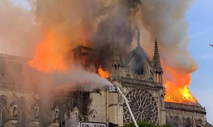 3 gia tộc giàu nhất nước Pháp góp số tiền khổng lồ tái thiết Nhà thờ Đức Bà