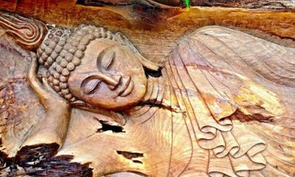 Phật dạy: 5 hành vi tiêu hao phúc báo, 3 đời nghèo khó, tránh càng xa càng tốt