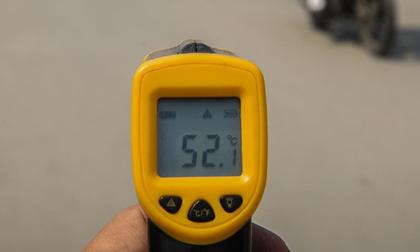 Mặt đường ở Hà Nội nóng hơn 50 độ C