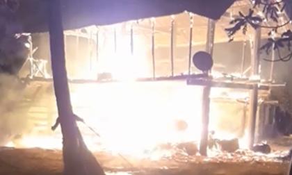 Nhà 3 bà cháu cháy rực giữa khuya, bé gái 4 tuổi tử vong