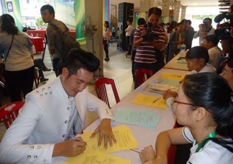 Việt Trinh và loạt sao Việt tình nguyện hiến tạng - 8