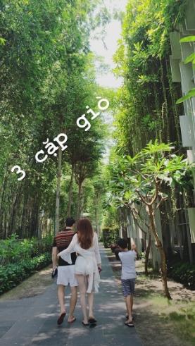 Hồ Ngọc Hà tình bể bình âu yếm bạn trai Kim Lý khi đi nghỉ ở Đà Nẵng