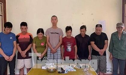 Lạng Sơn: Bắt 8 đối tượng đánh bạc 'gạt hạt ngô' trên đồi rừng