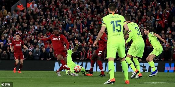 Liverpool đè bẹp Barcelona, tiến vào CK Champions League sau cuộc lội ngược dòng kỳ vĩ - Ảnh 3.