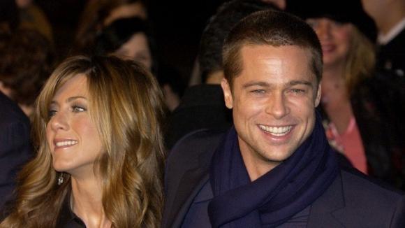 Brad Pitt lên tiếng về tin tái hợp Jennifer Aniston sau khi khiến Angelina Jolie chạnh lòng vì món quà khủng - Ảnh 3.