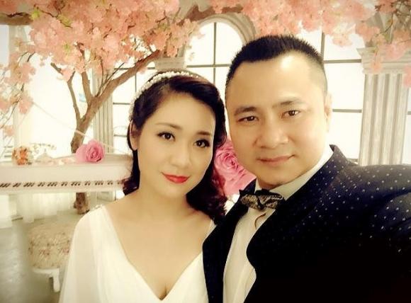 Hành trình 4 năm hôn nhân hạnh phúc của NSND Tự Long và người vợ tài sắc - Ảnh 4.