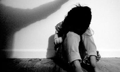 Đề nghị điều tra lại vụ cha dượng 44 tuổi xâm hại bé gái 11 tuổi