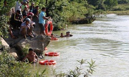 2 học sinh lớp 1 rủ nhau đi câu cá bị chết đuối thương tâm