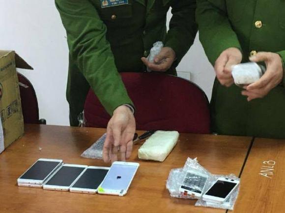 Phi vụ buôn lậu khủng: 2.500 smartphone từ Trung Quốc vào Việt Nam