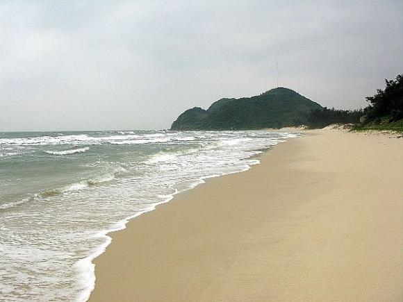 Đến Quảng Ninh đừng lỡ hẹn Quan Lạn với bãi cát như dải lụa hồng - 2