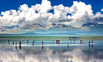 Không chỉ là hồ muối lớn nhất Trung Quốc, nơi này còn có phong cảnh đẹp đến nghẹt thở
