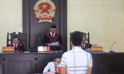 Chồng trẻ ở Quảng Bình dính án vì vợ tuổi 15 lên mạng tố bị bạo hành