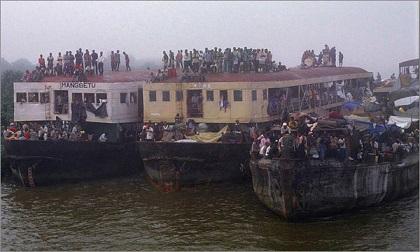 Chìm tàu tại Congo khiến ít nhất 30 người thiệt mạng