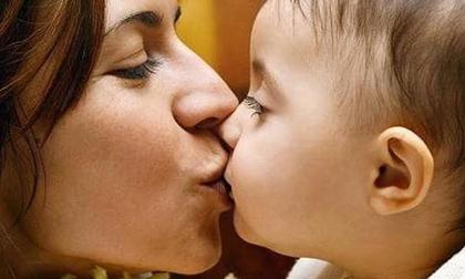 Hơn 96% trẻ mang vi khuẩn gây ung thư dạ dày là do 'lây' từ bố mẹ