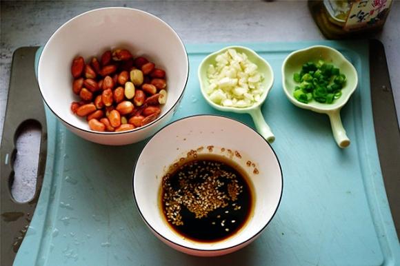 Trời nóng ngán ăn thịt nhưng món ăn này đảm bảo bữa nào cũng sạch sành sanh - 3