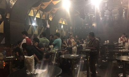 Hàng chục dân chơi tổ chức phê ma tuý trong vũ trường Đông Kinh