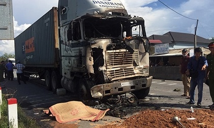 Xe container tông liên hoàn rồi bốc cháy, 1 người chết