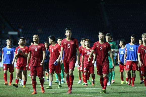 Tuyển Việt Nam thua chung kết: Đừng lỡ trách Công Phượng