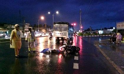 Va chạm với ô tô tải, nam thanh niên chết thảm dưới bánh xe