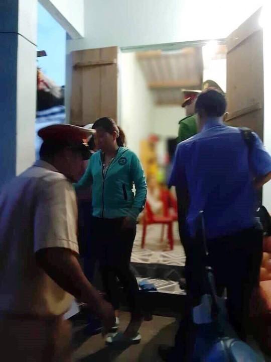 Chìm tàu cá chở khách ra Điệp Sơn, 3 người thiệt mạng - Ảnh 3.