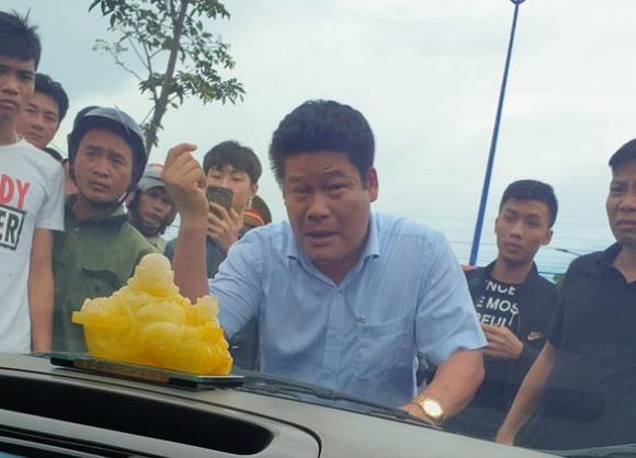 Chủ doanh nghiệp kêu giang hồ vây xe chở công an là đại biểu HĐND - 1