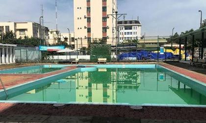 Nhiều sai phạm ở hồ bơi khách sạn khiến hai nam sinh chết đuối