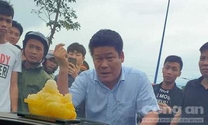 Diễn biến mới vụ 'Giang hồ vây xe chở công an': Khởi tố 1 chủ doanh nghiệp