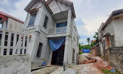 Hố tử thần 'nuốt' căn nhà 2 tầng ở Hà Nội