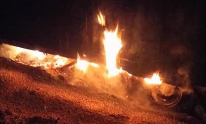 Thanh Hóa: Xe tải chở 40 tấn ngô, bốc cháy ngùn ngụt lúc rạng sáng